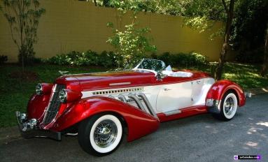 Auburn Boattail Speedster (1935).jpg