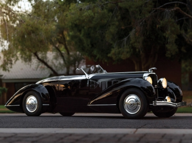 Lincoln Model KB Boattail Speedster (1932).jpg