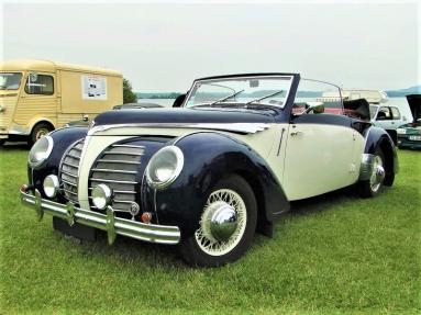 Rosengart Supertraction LR539 cabriolet (1938).jpg