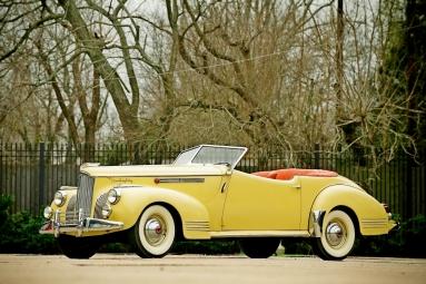 Packard Darrin 180 Victoria Convertible (1941).jpg