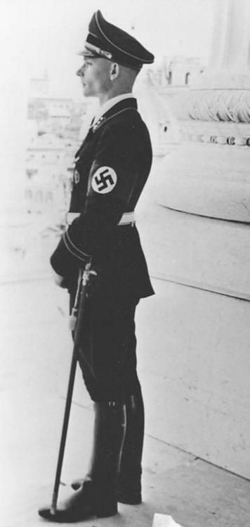Heinz-von-Westernhagen-in-Rome-Italy-in-1938.-He-later-became-Joachim-Peiper's-2nd-in-command.jpg